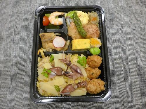 【テイクアウト情報】五反田「食堂とだか」_f0232060_1556525.jpg