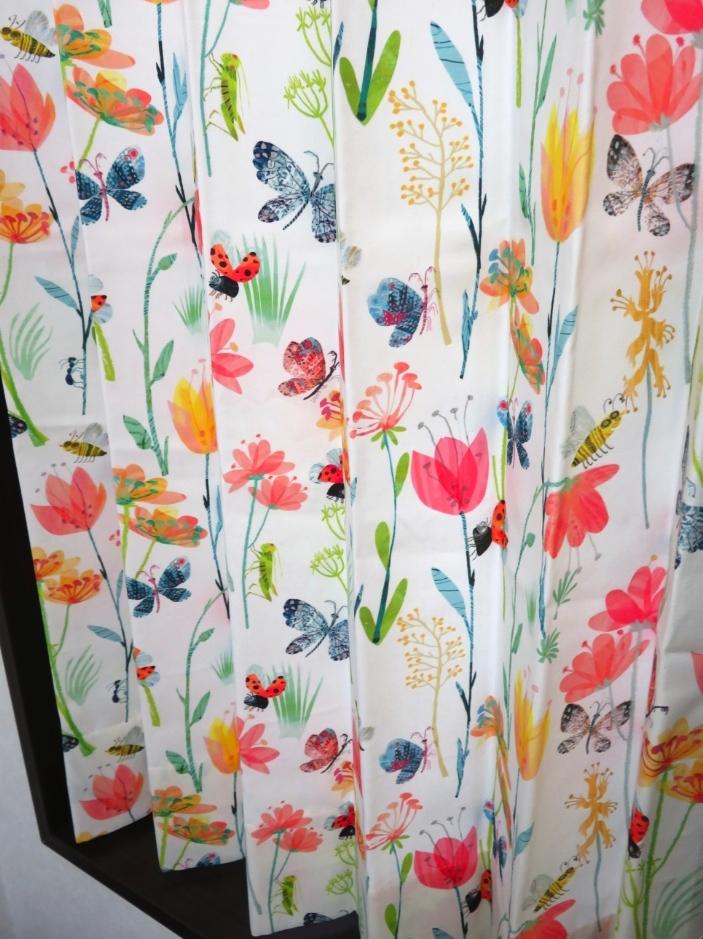 クリニックのカーテン『ヴィラノヴァ』 モリス正規販売店のブライト_c0157866_17503032.jpg