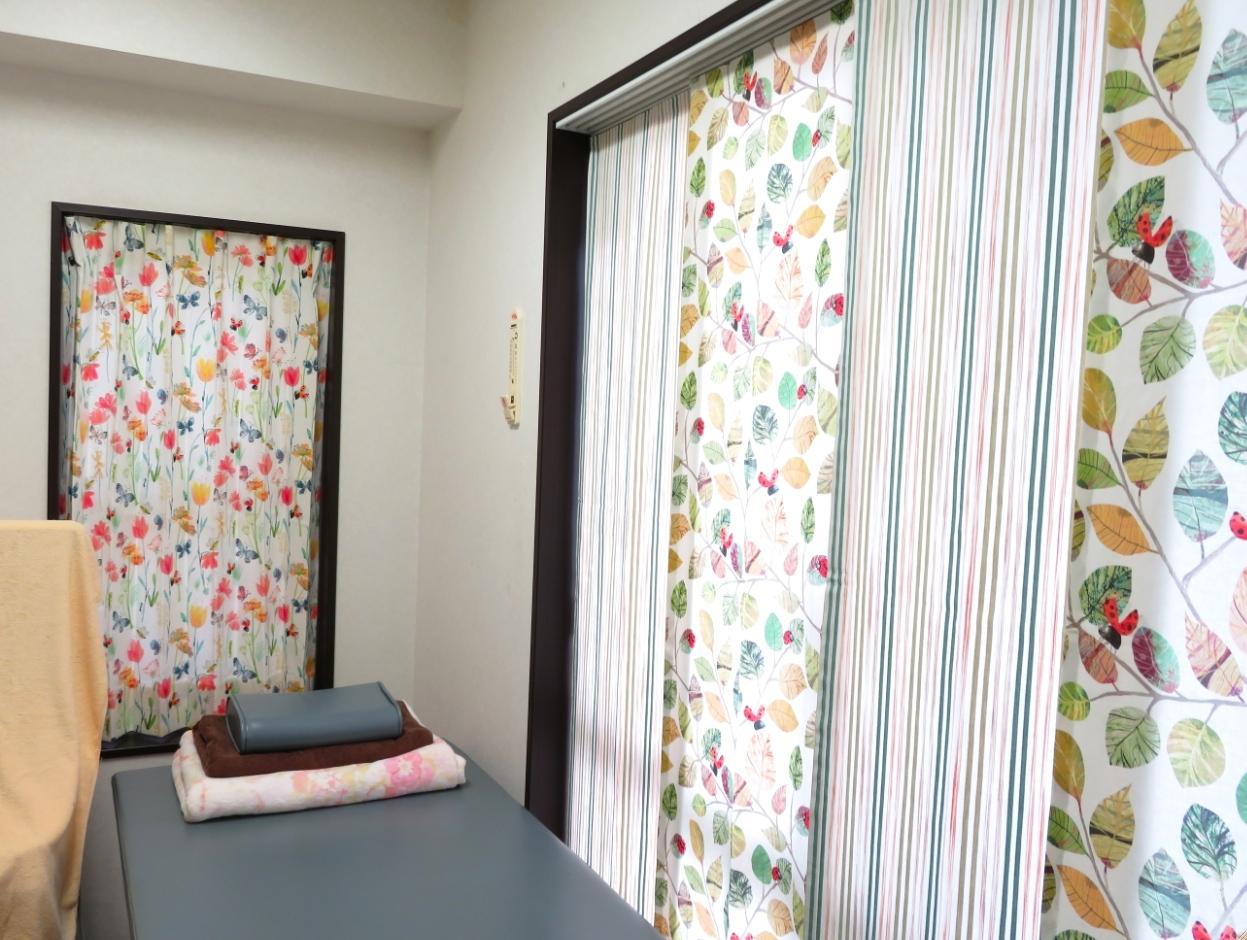 クリニックのカーテン『ヴィラノヴァ』 モリス正規販売店のブライト_c0157866_17513028.jpg