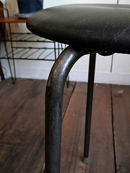 Stool (three legs)_c0139773_16555409.jpg