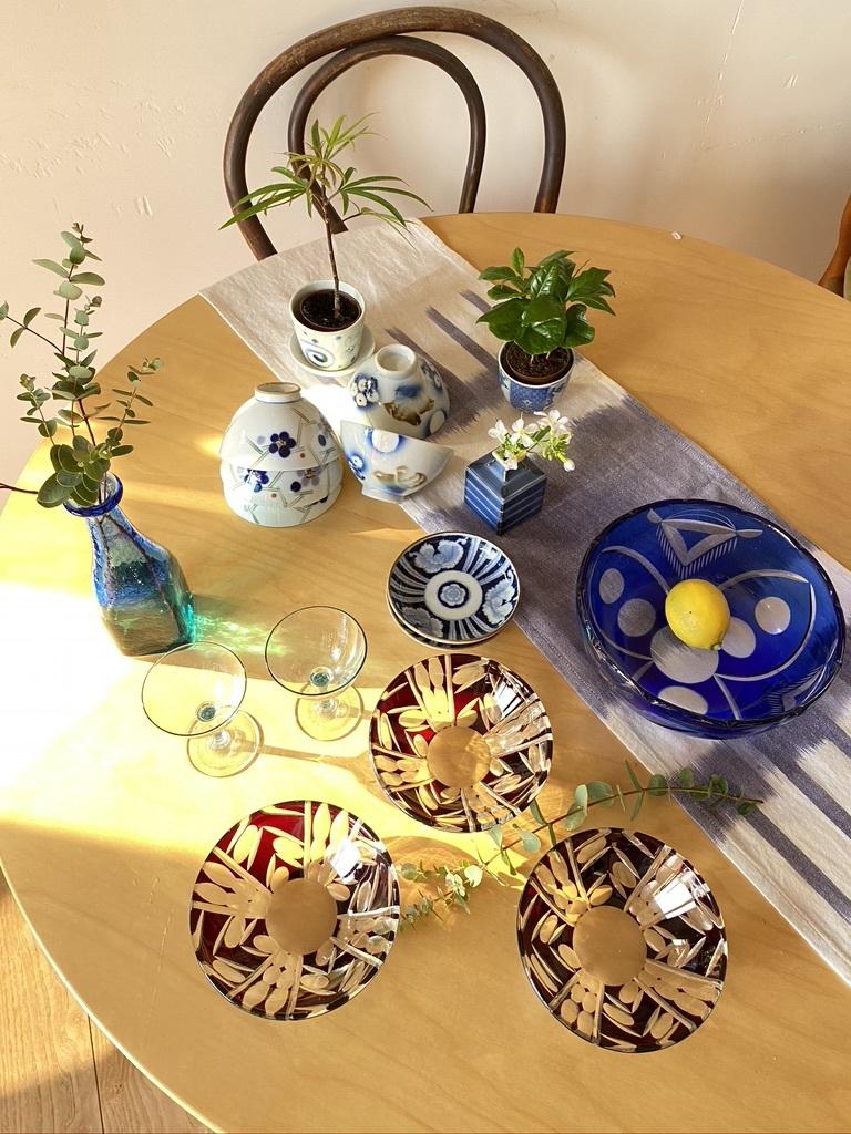 レトロな器のたちをテーブルに_c0334574_16200362.jpeg