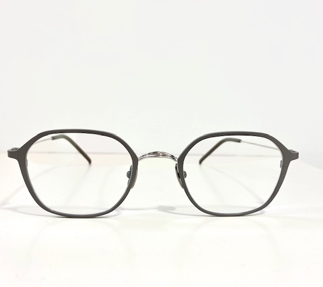 保谷と吉祥寺にある眼鏡屋。_a0172250_12323215.jpg
