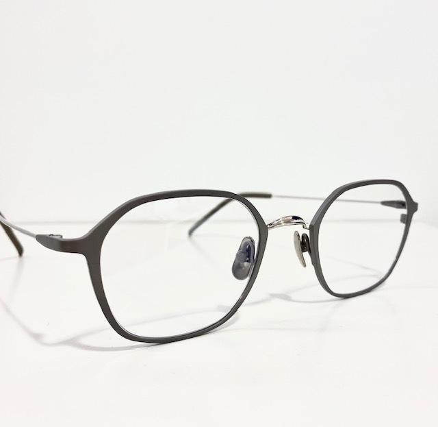 保谷と吉祥寺にある眼鏡屋。_a0172250_12323787.jpg
