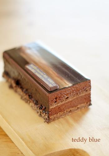chocolat BEL AMER ベルアメールのチョコレートケーキ_e0253364_16560844.jpg