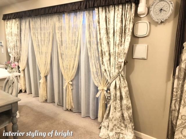 同じ部屋で柄とデザインの違うカーテン 『クラーク&クラーク』『ヴィラノヴァ』『イオニア』_c0157866_18375801.jpg