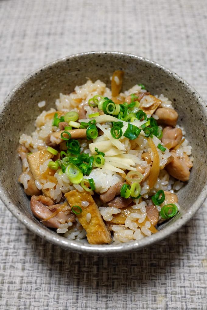 ウチで食べよう SANS SOUCIのおつゆの応用 とり飯と肉豆腐_b0049152_09015564.jpg
