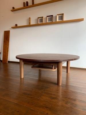 ラウンドテーブルと棚板♪_b0135599_15071545.jpg