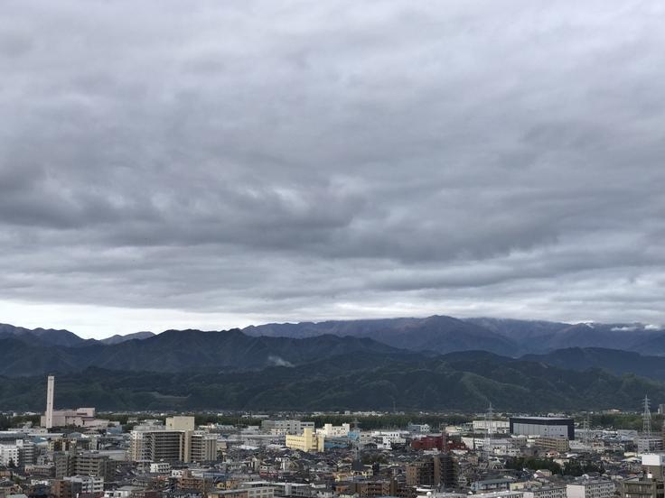 おはよう丹沢!朝はどんより。_c0212604_6255.jpg