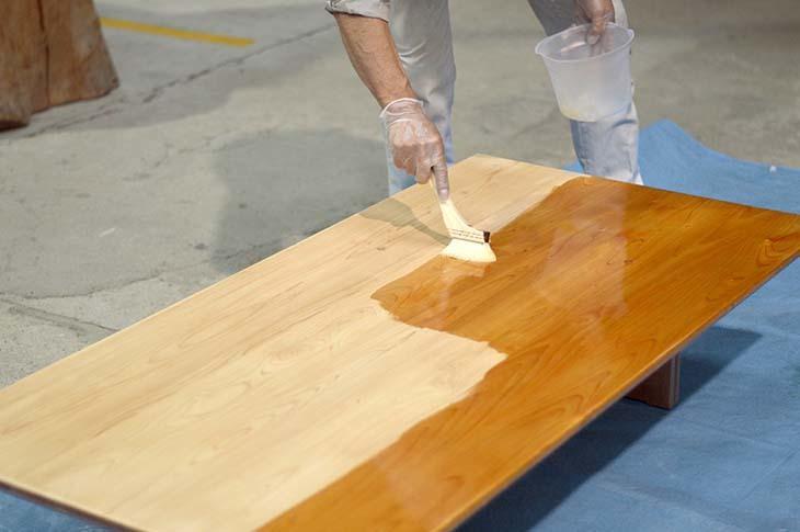 檜のテーブルをメンテナンス!_b0186205_16094286.jpg