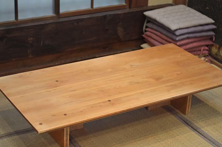 檜のテーブルをメンテナンス!_b0186205_16125072.jpg