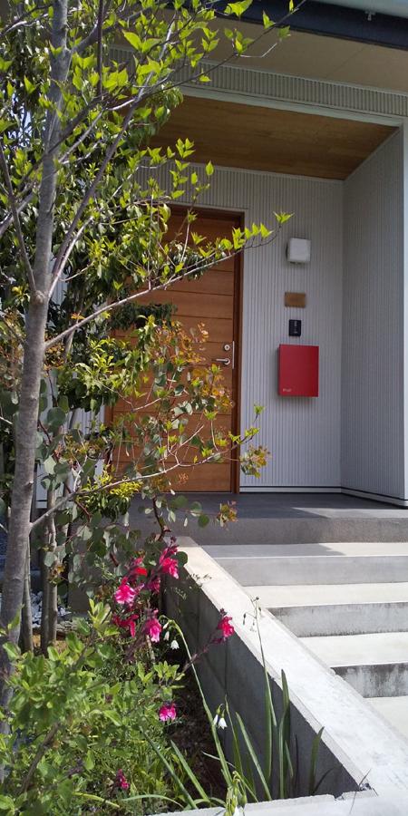 お届け物に… 川口市の木の家へ_d0080906_14211063.jpg