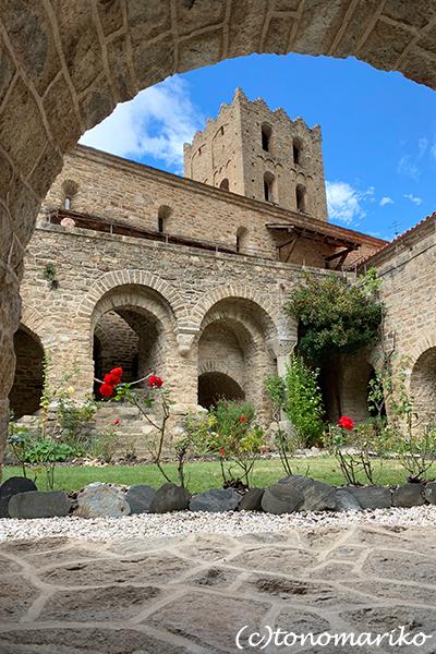南仏の旅〜サン・マルタン・デュ・カニグー修道院_c0024345_15111456.jpg
