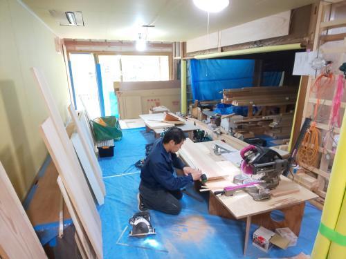 ■キッチン組立て開始■_e0188083_13572955.jpg