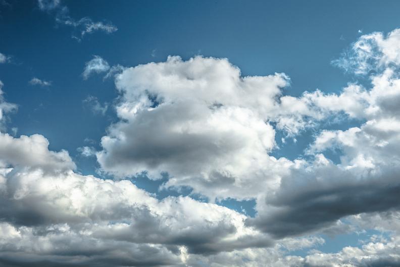 まぁ、ちぃと空でも見んさいや。_f0189086_18514471.jpg