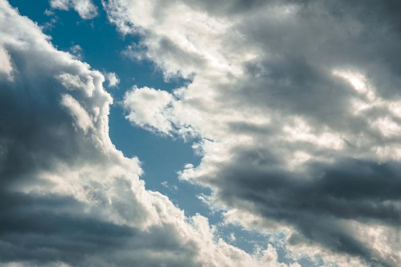 まぁ、ちぃと空でも見んさいや。_f0189086_18515119.jpg
