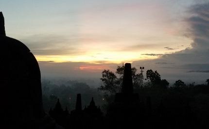 いつか又行ける日の為に インドネシア ボロブドゥール_b0122805_16541566.jpg