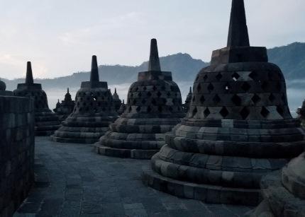 いつか又行ける日の為に インドネシア ボロブドゥール_b0122805_1654199.jpg