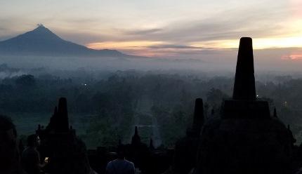 いつか又行ける日の為に インドネシア ボロブドゥール_b0122805_16542234.jpg