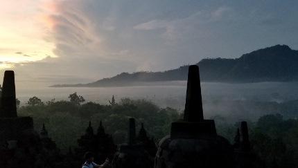 いつか又行ける日の為に インドネシア ボロブドゥール_b0122805_16564222.jpg