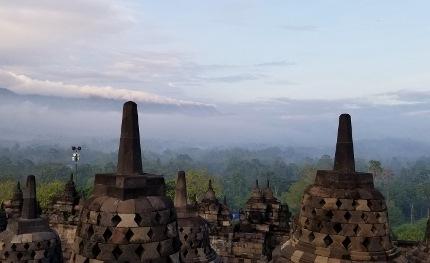 いつか又行ける日の為に インドネシア ボロブドゥール_b0122805_16573090.jpg