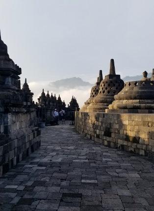 いつか又行ける日の為に インドネシア ボロブドゥール_b0122805_16575475.jpg