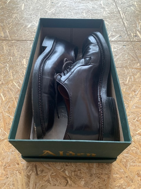 【おうちで靴磨き】マネしちゃいけない靴の保管方法_b0226322_13200432.jpeg