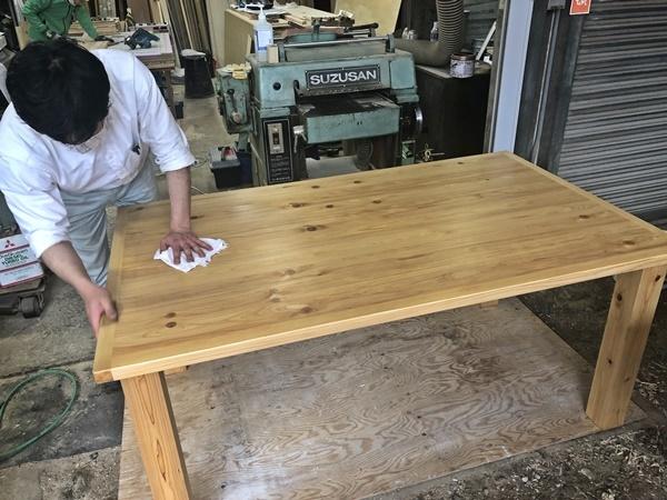 テーブルのお色直しと長さ詰め_c0019551_19394370.jpg