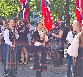 コロナウイルス:ノルウェー憲法記念日行事は中止に_c0166264_15264298.jpg