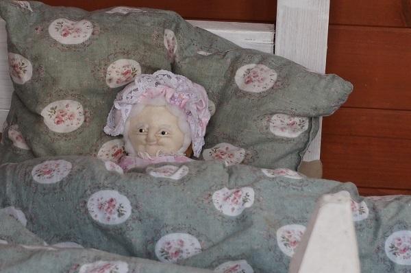 赤ずきんのおばあさんのお家_e0365880_15143658.jpg