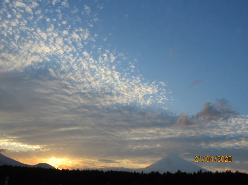4/22  昨日の富士山_e0185893_07255643.jpg