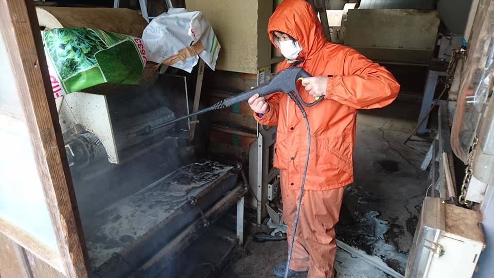 コロナ渦中の茶工場掃除_b0028299_20564310.jpg