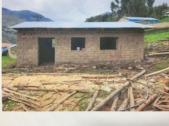 アンデス支援基金による4校目の学校建設 進捗報告_b0076801_19480211.jpg