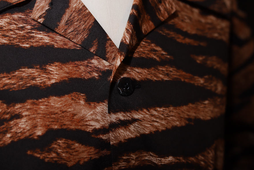 TIGER PATTERN TRAVEL SHIRT_b0398513_20335857.jpeg