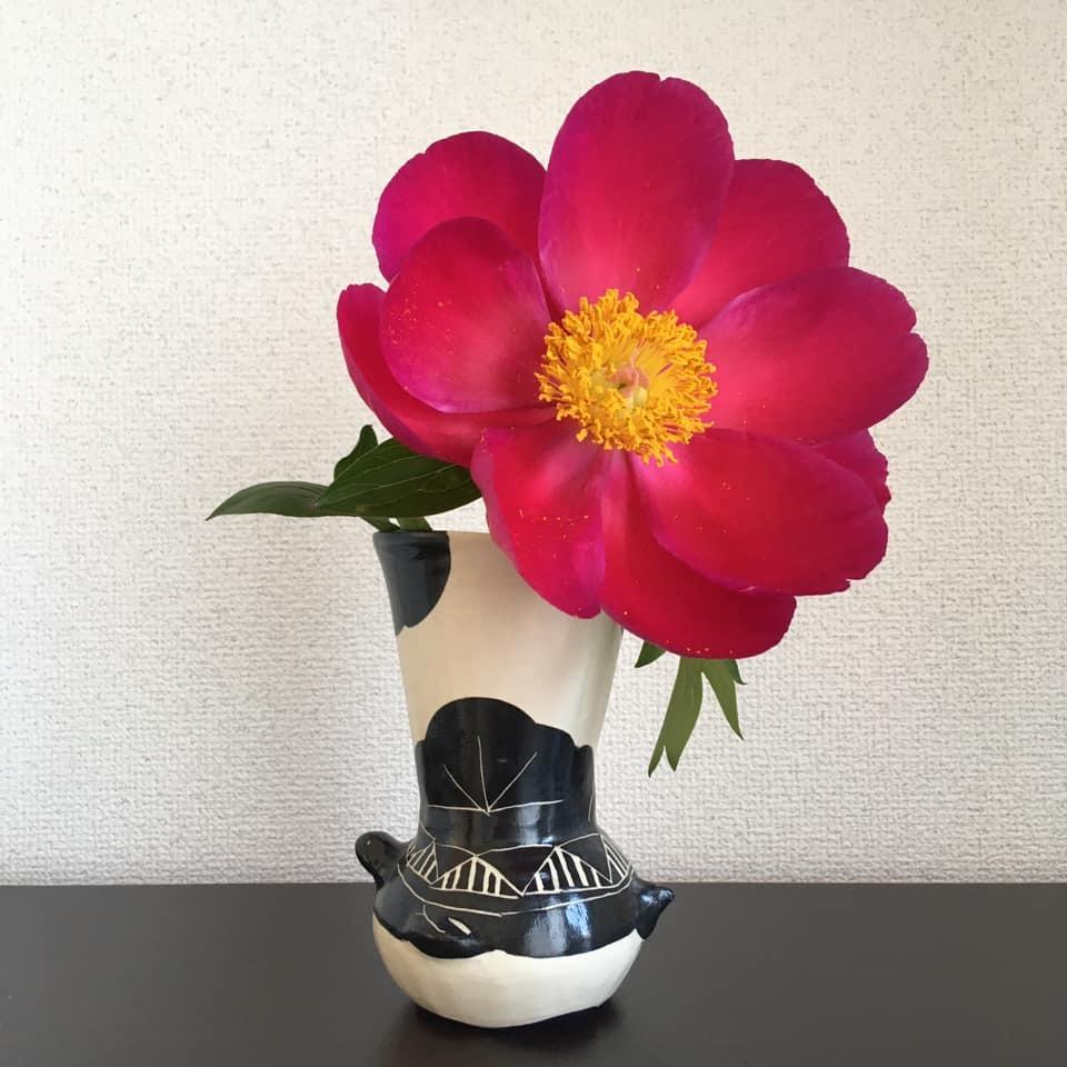 パッと艶やかなお花で_f0184825_22031914.jpg
