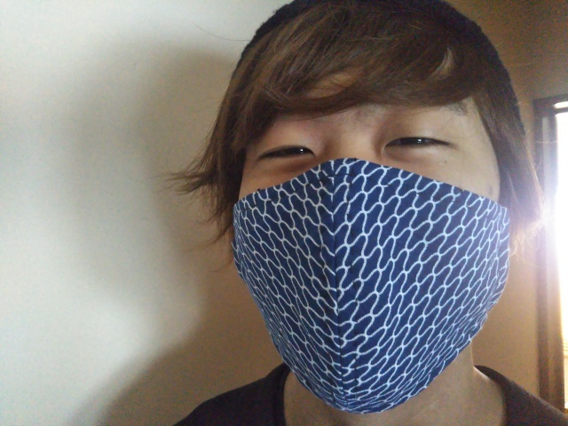 ぼうずにマスクさせました。_e0139355_13073765.jpg