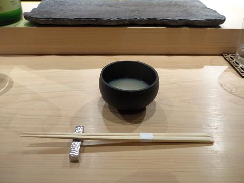 渋谷「熟成鮨 万」へ行く。_f0232060_16401118.jpg