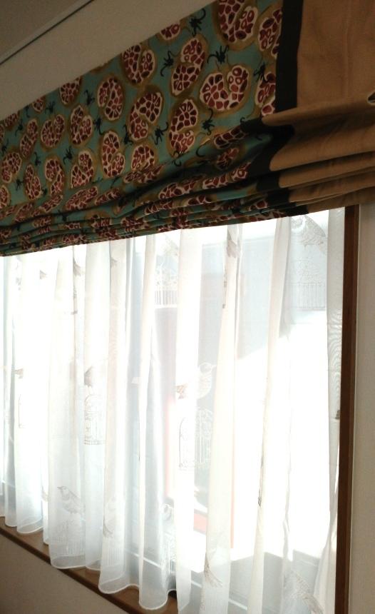 サンダーソン『ザクロ柄』のローマンシェード モリス正規販売店のブライト_c0157866_20413234.jpg