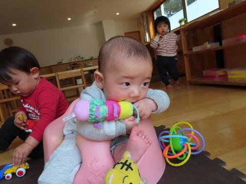4月 乳児フロアの様子_f0327175_15183728.jpg