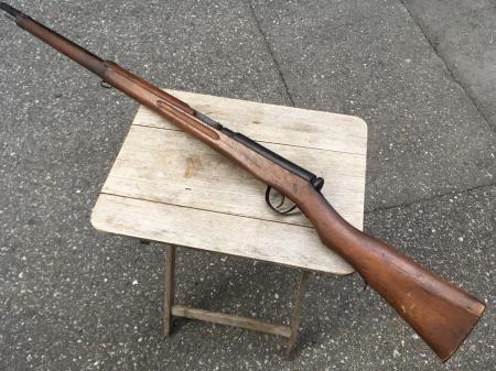 三八式教練銃・機関部木製の無可動模擬銃。_a0154482_23085629.jpg