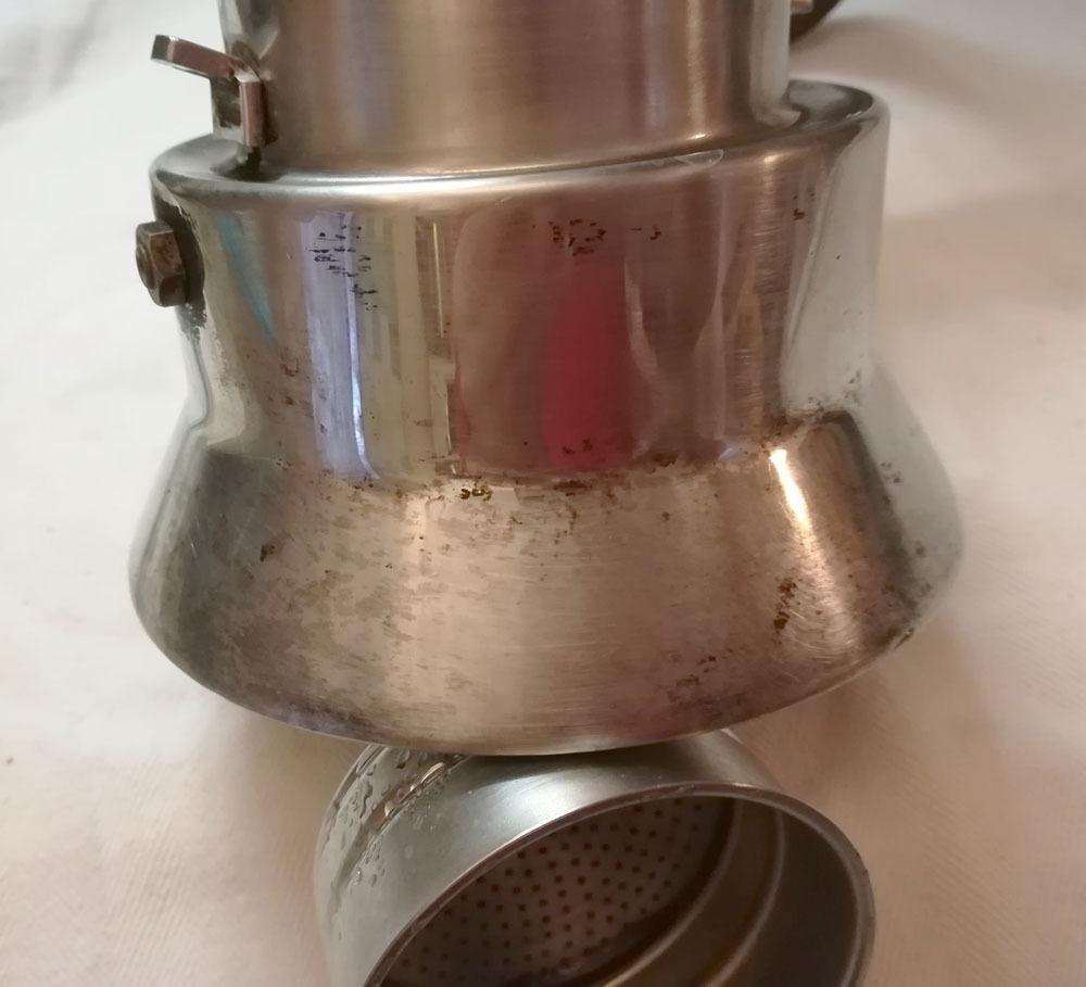 15年選手のこのキッチン用品を磨くの巻!!_c0179785_03514688.jpg