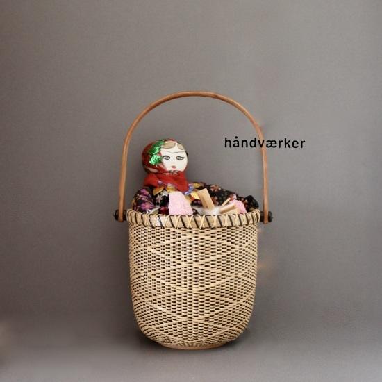 トルコのお人形とラウンドバスケット_f0197215_18310315.jpeg