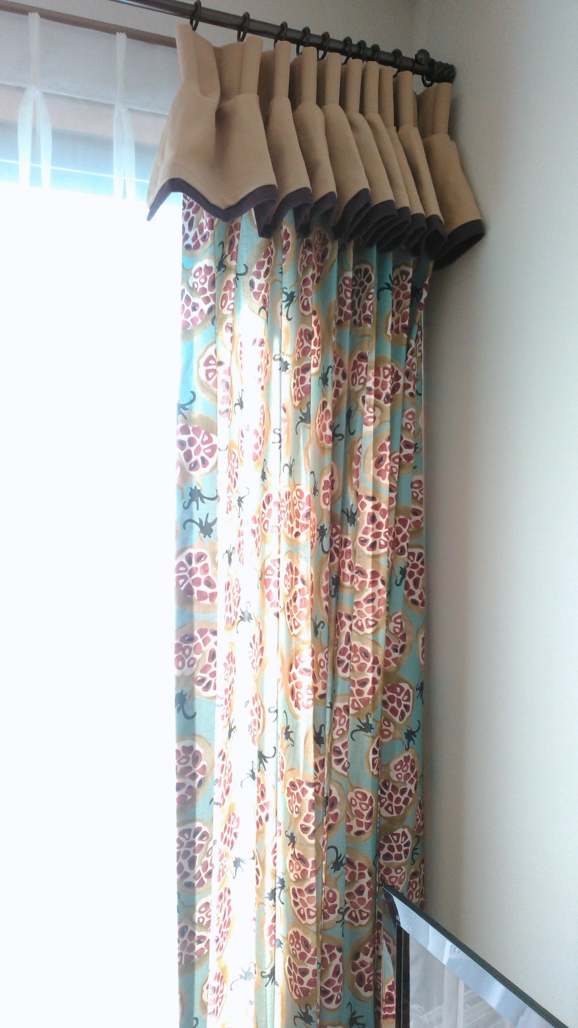 サンダーソン『ザクロ柄』のカーテン モリス正規販売店のブライト_c0157866_16105955.jpg