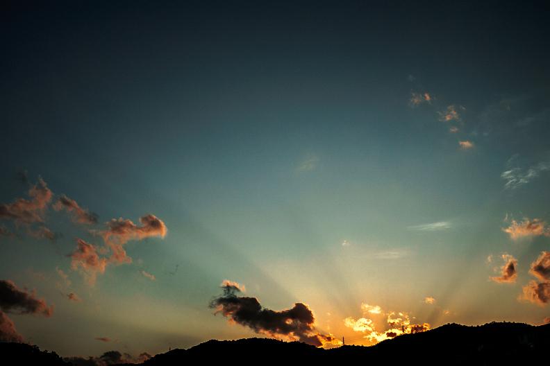 空と雲と光があれば_f0189086_19480432.jpg