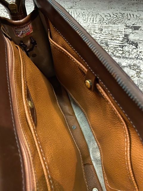 Leather Bag!!(マグネッツ大阪アメ村店)_c0078587_1913938.jpg