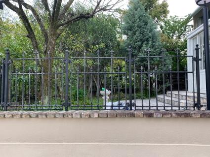 庭のフェンスを塗ってみた_f0185066_21055740.jpg