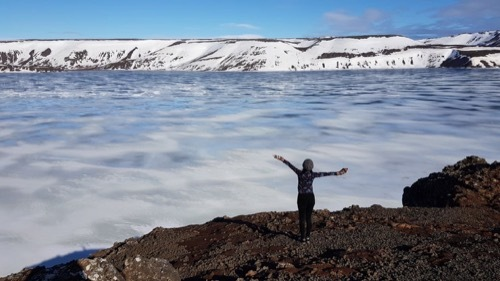 もうすぐ春!湖面の氷が緩むKleifarvatn_c0003620_23190322.jpeg