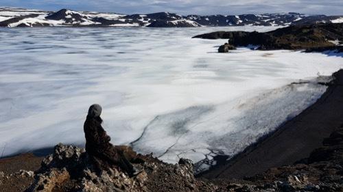 もうすぐ春!湖面の氷が緩むKleifarvatn_c0003620_23302451.jpg