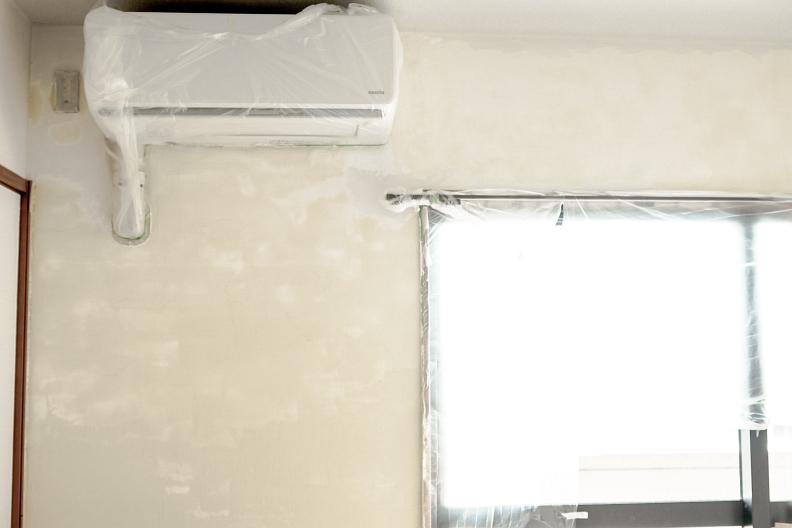 壁一面だけ漆喰を塗りました_f0189086_18164305.jpg