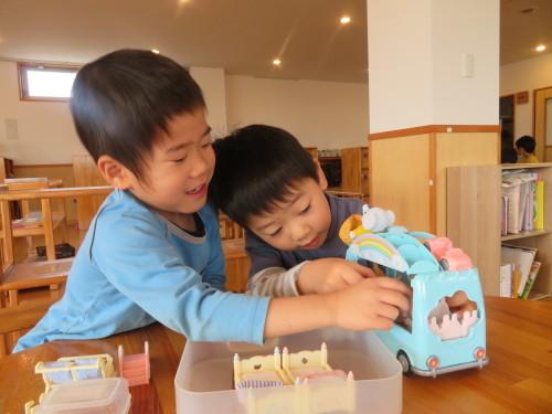 4月幼児クラスの様子_f0327175_16154393.jpg
