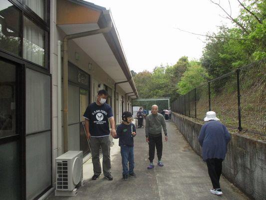 4/28 朝の散歩_a0154110_08182747.jpg